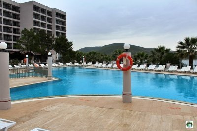 Tusan Beach resort Kusadasi piscina