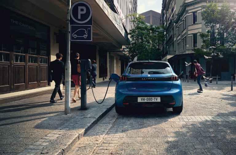 ¿Cuáles son los cinco 'ceros' del nuevo Peugeot e-208