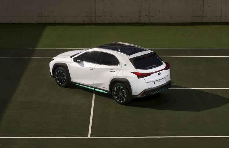 Lexus UX 250h Tennis Cup desde arriba