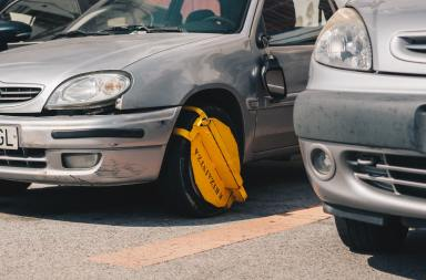 Clamp on the wheel of a car