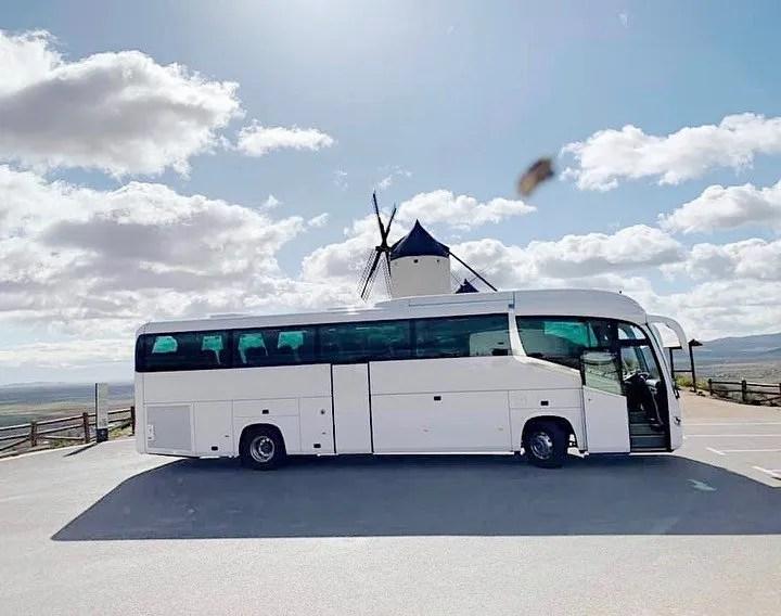 Autobus guiado por Garmin Dezl a Molinos de Consuegra