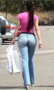 Women-in-Tight-Jeans-Ideas