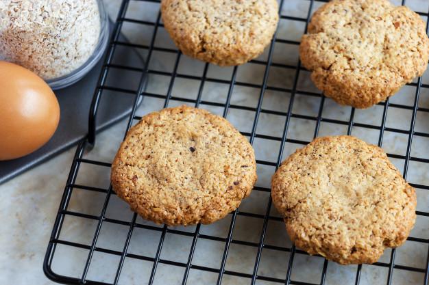 Cómo se hacen las galletas navideñas de nuez receta fácil