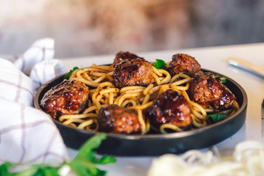 Spaghetti meatballs espaguetis con albondigas