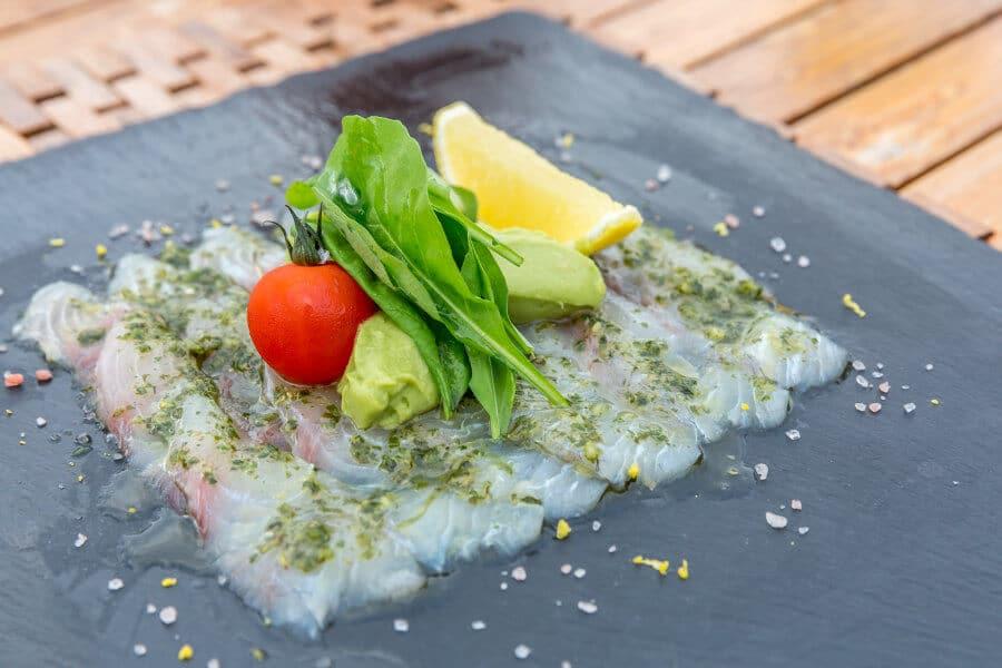 Sashimi de lubina