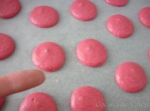Macarons de caramelo con buttercream de coco