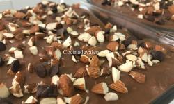 Tarta fría de chocolate y almendras