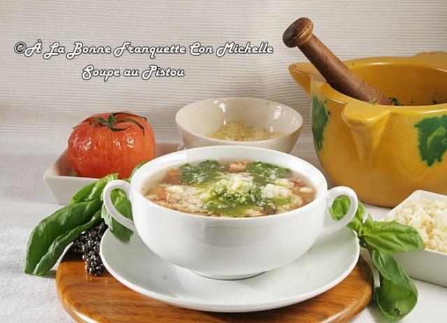 Sopa de verduras y su majado genovés. Soupe au pistou,