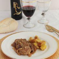 Solomillo de cerdo en salsa de membrillo y piñones