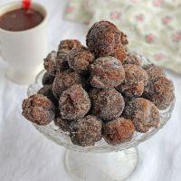 """""""Castagnole"""" de chocolate, dulce italiano de Carnaval"""