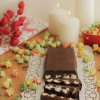 Turrón de chocolate y palomitas de colores