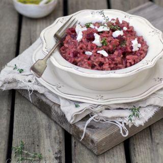 Risotto de remolacha asada, queso de cabra y tomillo