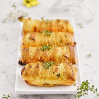 Mini trenzas de hojaldre rellenas de sobrasada y queso de mahón
