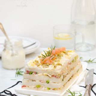 Pastel frío de ensaladilla de atún, receta fácil y rápida