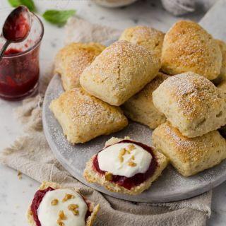 Scones de buttermilk, deliciosos panecillos ingleses