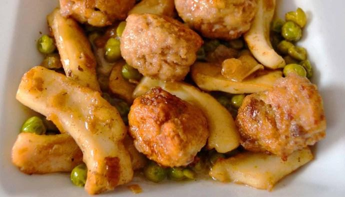 Receta de sepia con albóndigas de pescado caseras - recetas de pescado y marisco guisados o guisos de pescados y mariscos - recetas realfooding o real food