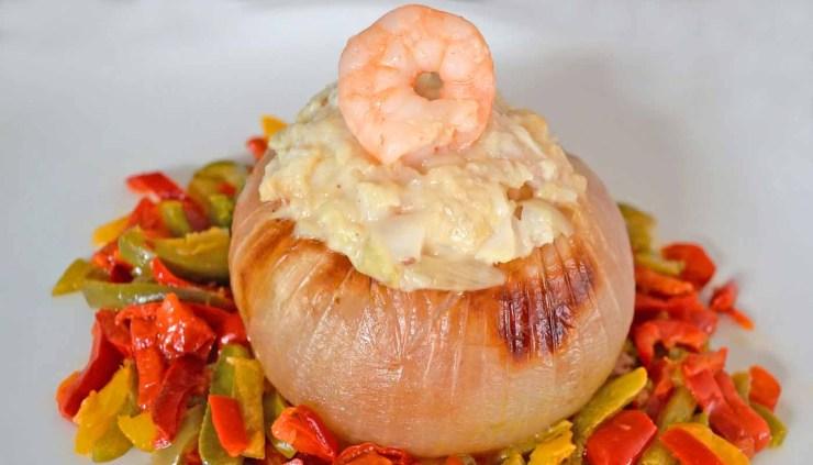 Receta de cebollas rellenas de pescado - recetas de verdurasy hortaliz- recetas realfooding o real food