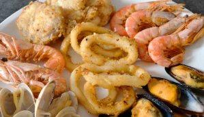 receta de pescaditos fritos con marisco - receta de fritura de pescado y marisco - pescaito frito - recetas de pescado y marisco - recetas realfooding o real food