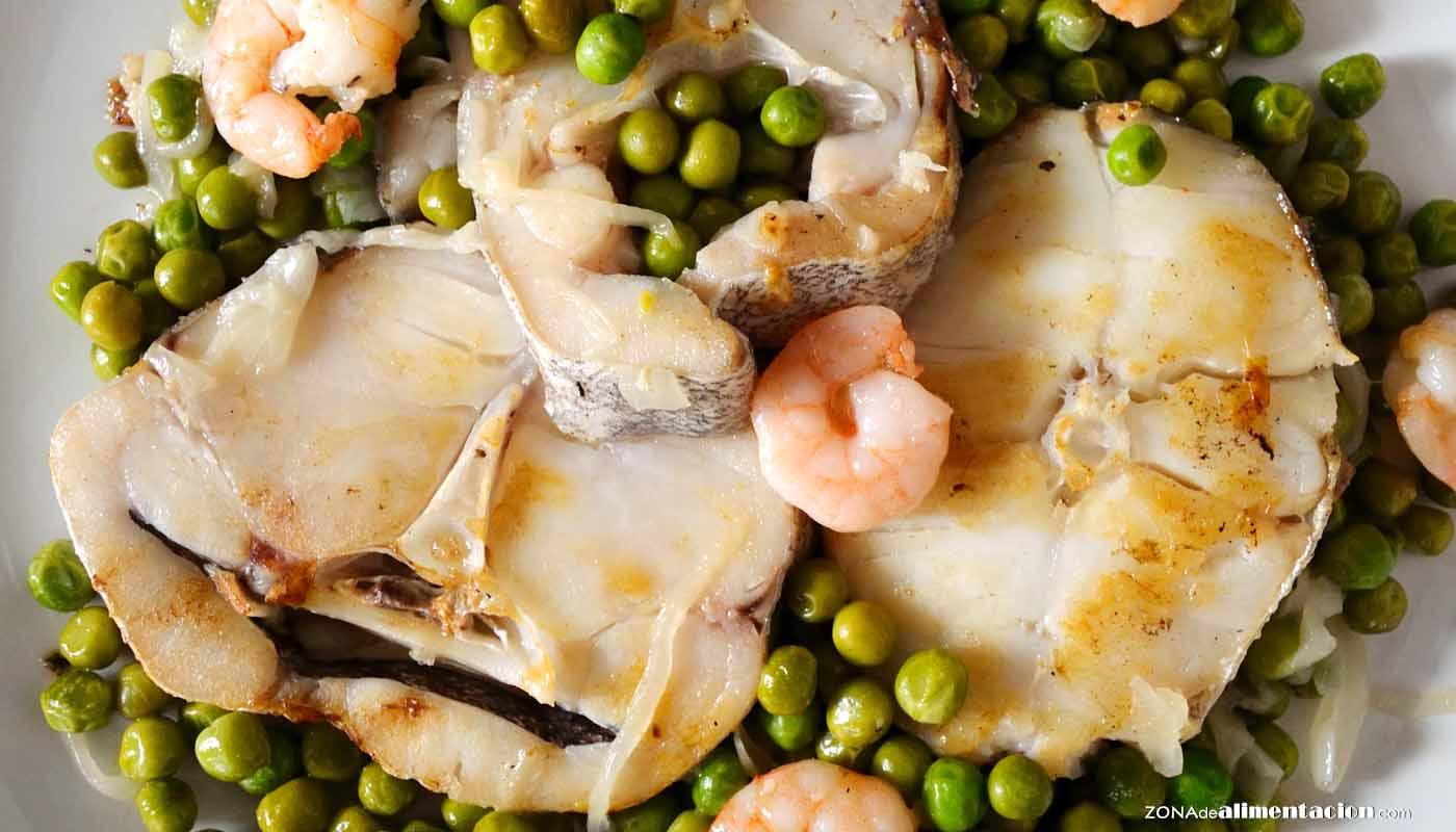 Receta de merluza a la plancha con guisantes y gambas - recetas de pescado y marisco - recetas realfooding o real food