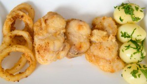 receta de pescaito frito y calamares a la andaluza - receta de fritura de pescado - recetas con calamares - recetas con rape - recetas realfooding o real food
