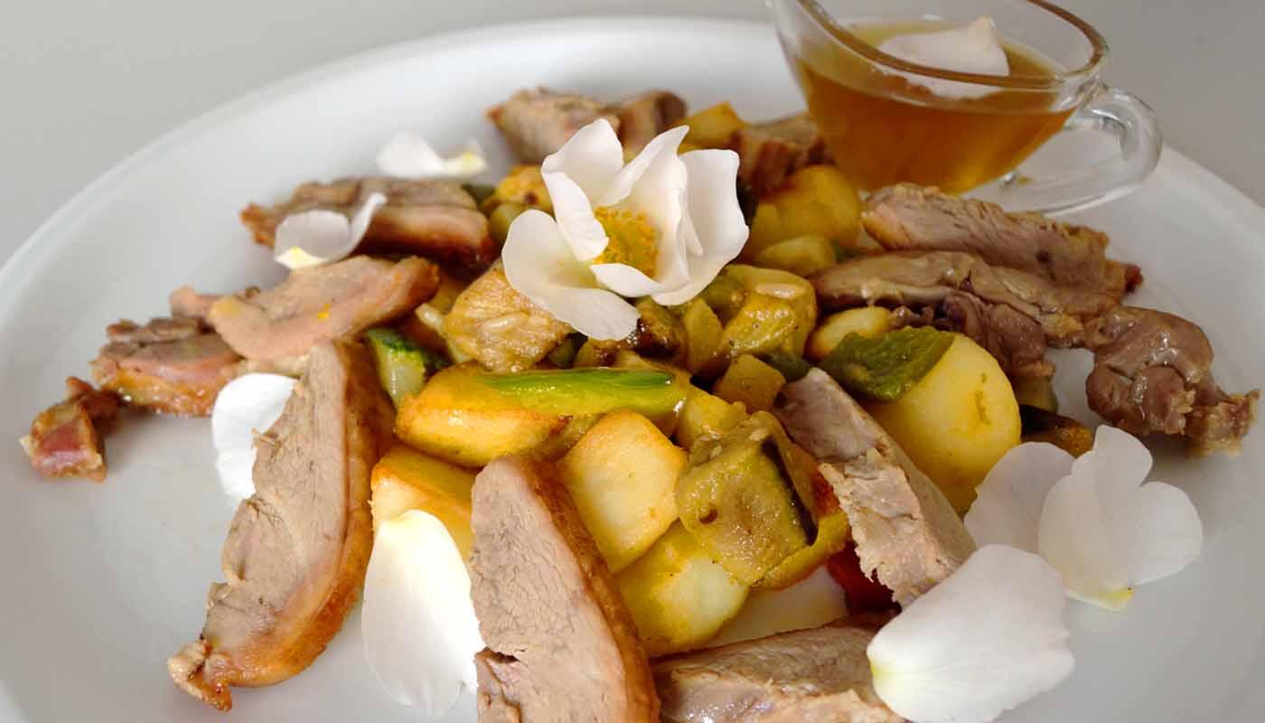 receta de magret de pato con salsa de rosa mosqueta