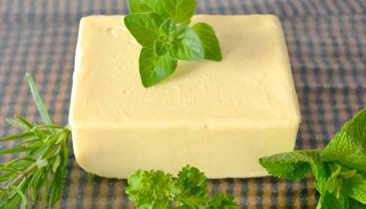 Alimentos que no deben ir en el microondas: mantequilla y margarina