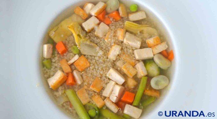 Receta de sopa de quinoa, tofu y verduras - recetas vegetarianas y veganas