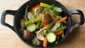 Receta de cazoleta de portobellos con hortalizas al ajillo - recetas vegetarianas y veganas