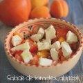 Salade tomate abricot féta menthe dans un bol