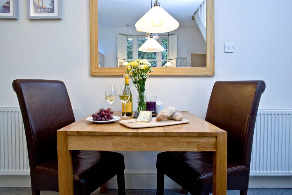 Wisteria cottage- Dining table