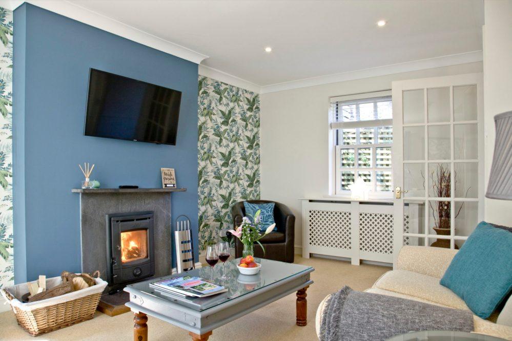 Mallock Cottage - Winter cosy too