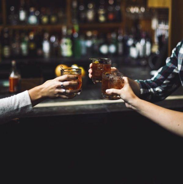 酒吧-朋友