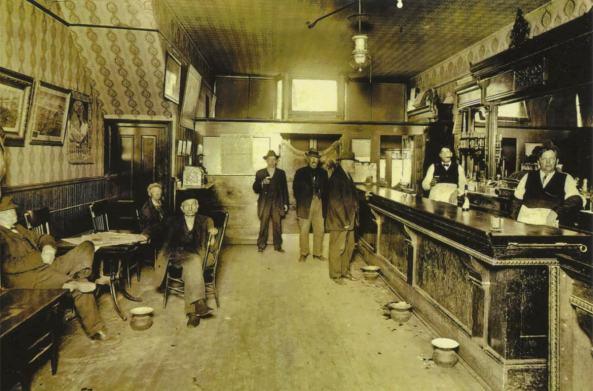 美國西部酒館-saloon