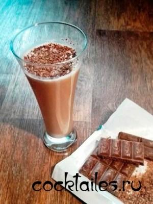 Любимый рецепт безалкогольного Шоколадного коктейля с какао со сгущенным молоком в домашних условиях