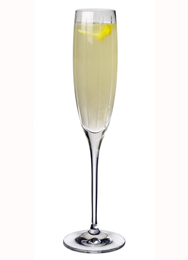 signature cocktail drink for wedding bride groom champagne