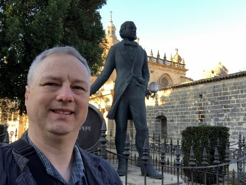 Tio Pepe statue and Jerez de la Frontera cathedral