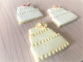 Wedding Favours - decorated wedding cake shaped cookies