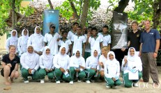 Group picture with the students of Thulhadhoo island
