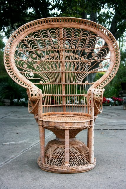 WHAT TO DO WITH A COOL YARD SALE FIND? A VINTAGE WICKER PEACOCK CHAIR! |  COCOCOZY - WHAT TO DO WITH A COOL YARD SALE FIND? A VINTAGE WICKER PEACOCK