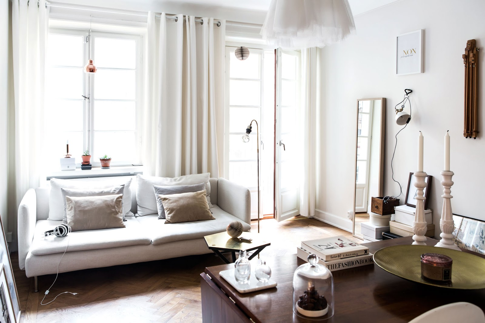 500 SQUARE FEET OF BEIGE - APARTMENT STYLE