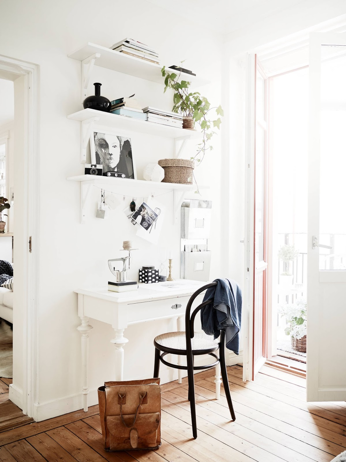 BEDROOM WALL OFFICE - SMALL SPACE SOLVE