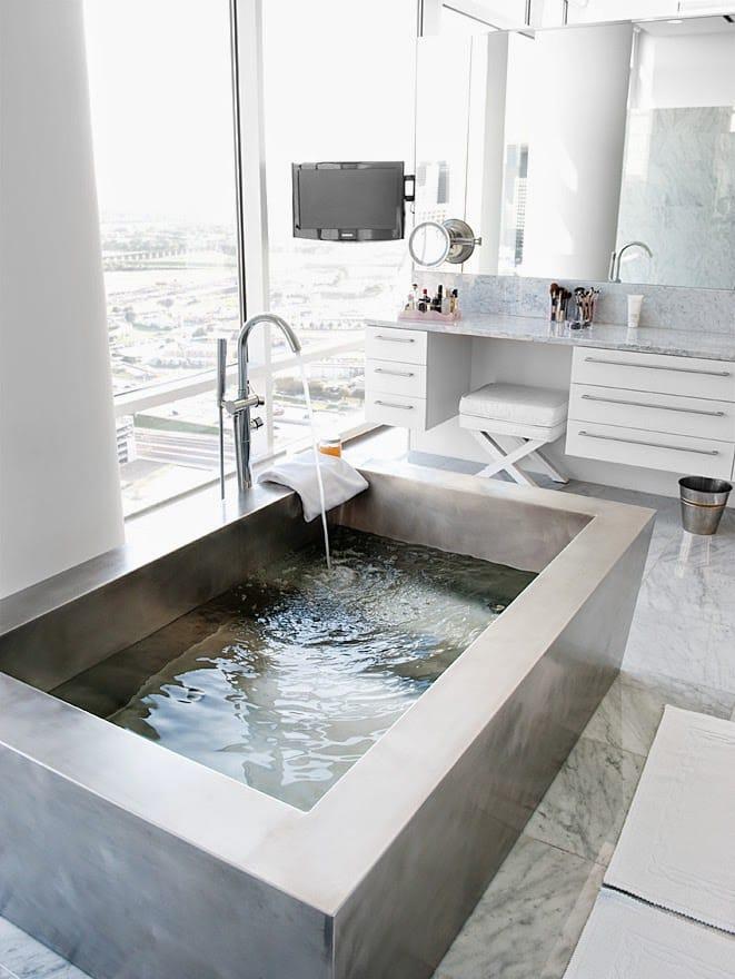 Freestanding Jacuzzi Bathtub