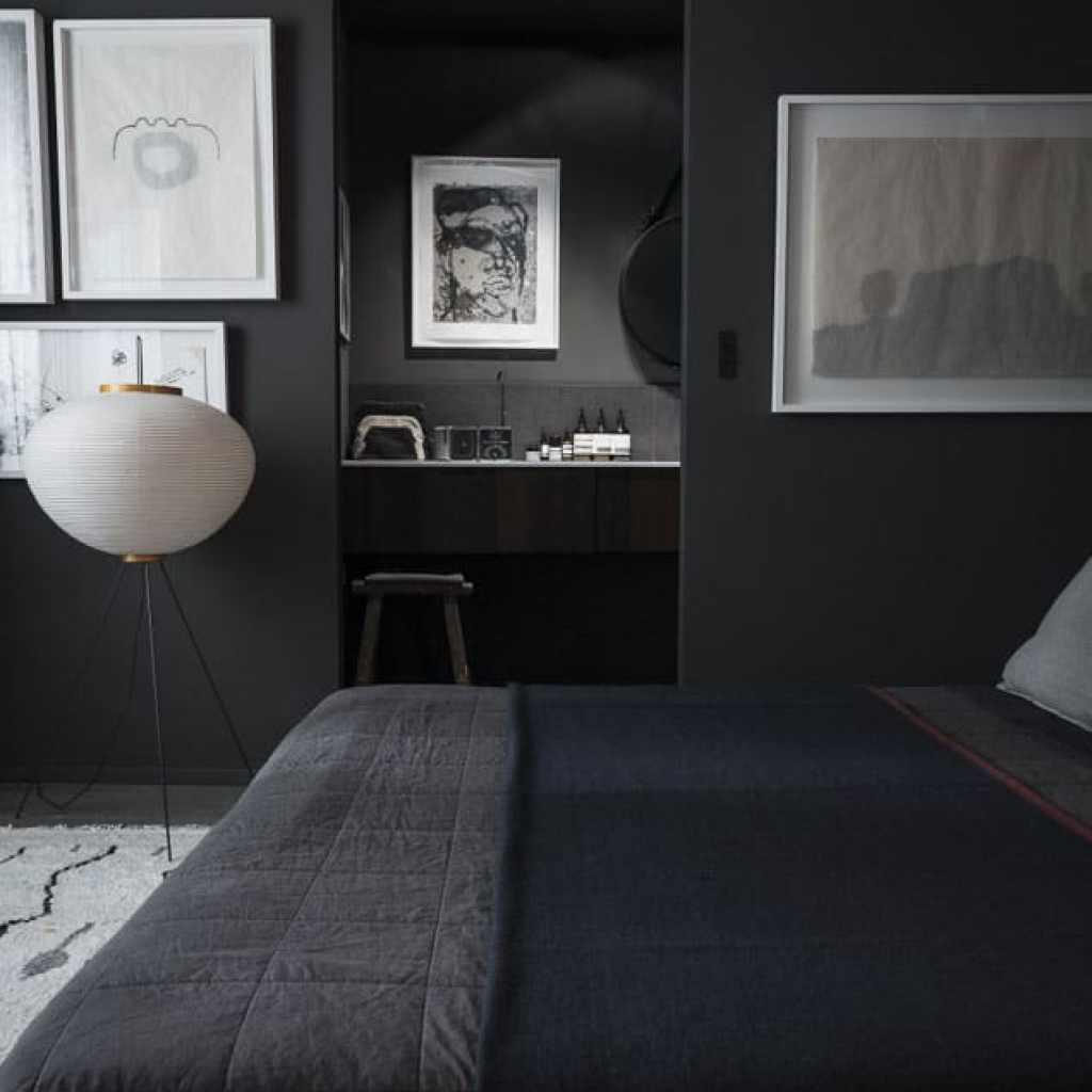 black-arpartment-romain-ricard-bedroom