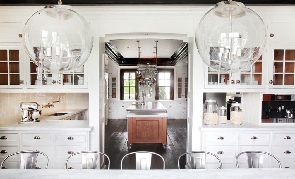 oversized-glass-pendant-lights-kitchen-island-cococozy