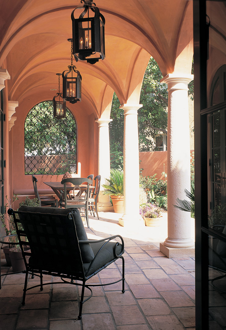 arches over an outdoor patio