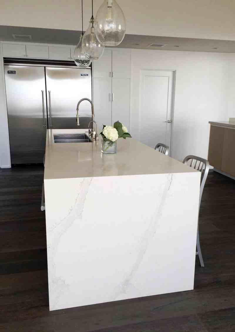 kitchen counters island Caesarstone Calacatta Nuvo