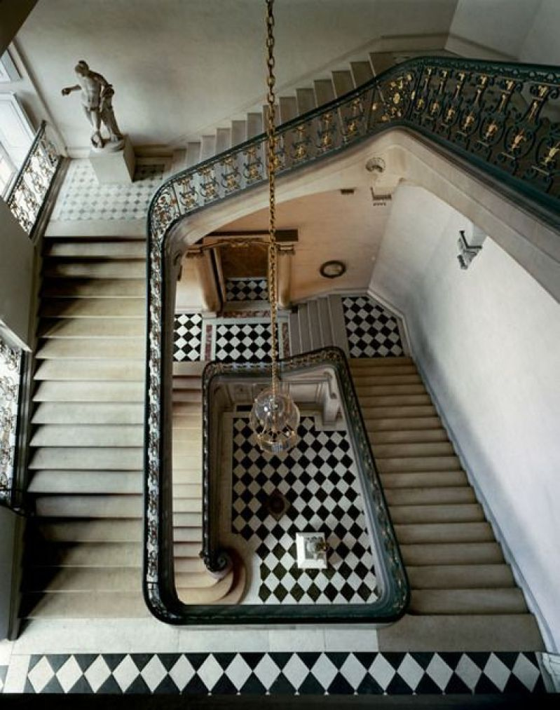 staircase checkered cococozy