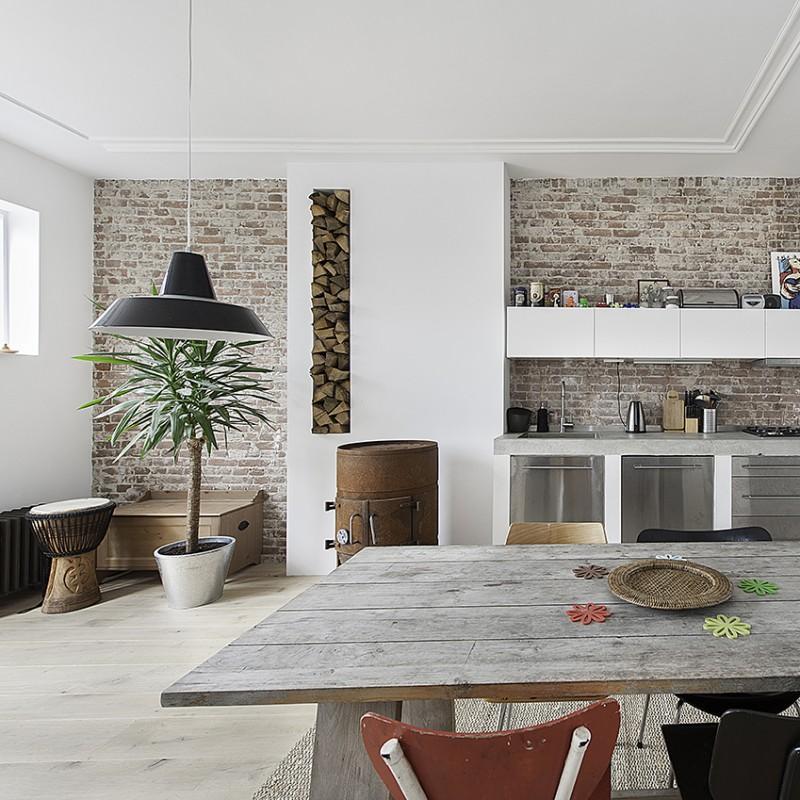 contemporary apartment kitchen black pendant light cococozy elledecoration