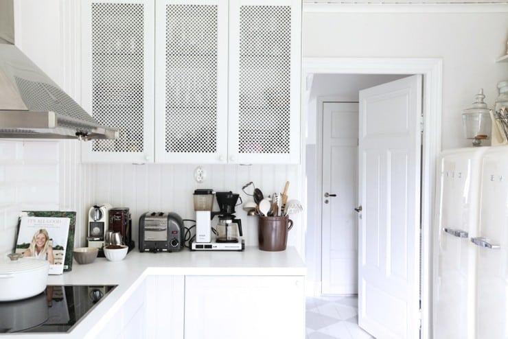 White Kitchen Texture Filled