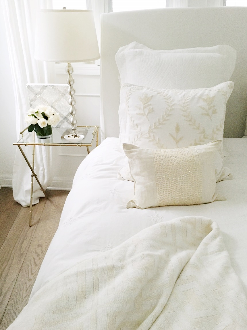 COCOCOZY-bedding-bed-cream-white